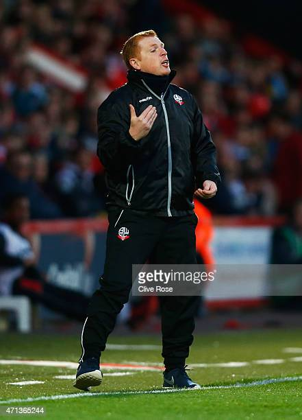 Neil Lennon manager of Bolton Wanderers gives instructions during the Sky Bet Championship match between AFC Bournemouth and Bolton Wanderers at...