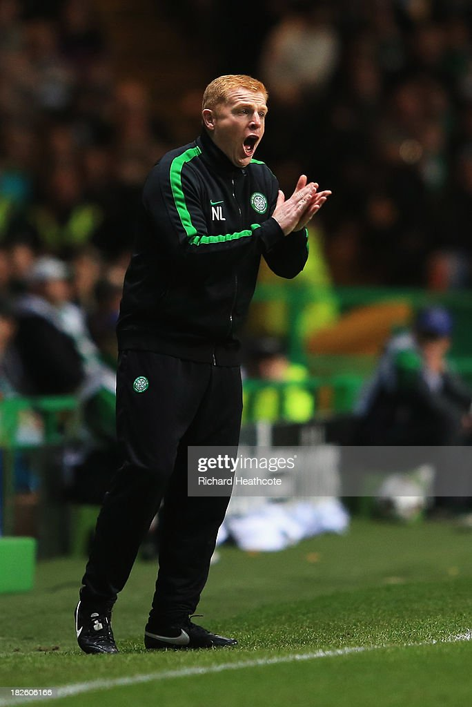 <a gi-track='captionPersonalityLinkClicked' href=/galleries/search?phrase=Neil+Lennon&family=editorial&specificpeople=642944 ng-click='$event.stopPropagation()'>Neil Lennon</a> manager of Celtic motivates his team during the UEFA Champions League Group H match between Celtic and FC Barcelona at Celtic Park Stadium on October 1, 2013 in Glasgow, Scotland.