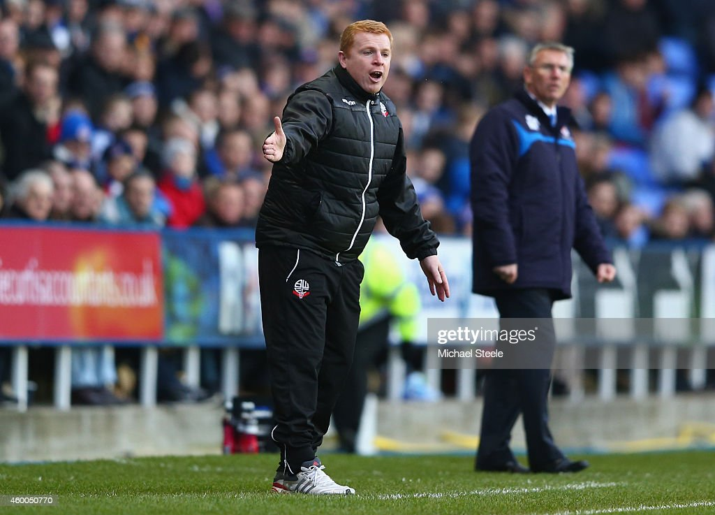 Neil Lennon the manager of Bolton Wanderers urges his players on during the Sky Bet Championship match between Reading and Bolton Wanderers at the...