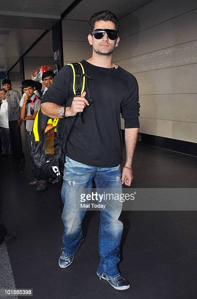 Neil Nitin Mukesh at the Mumbai airport leaving for the IIFA awards at Colombo on June 2 2010