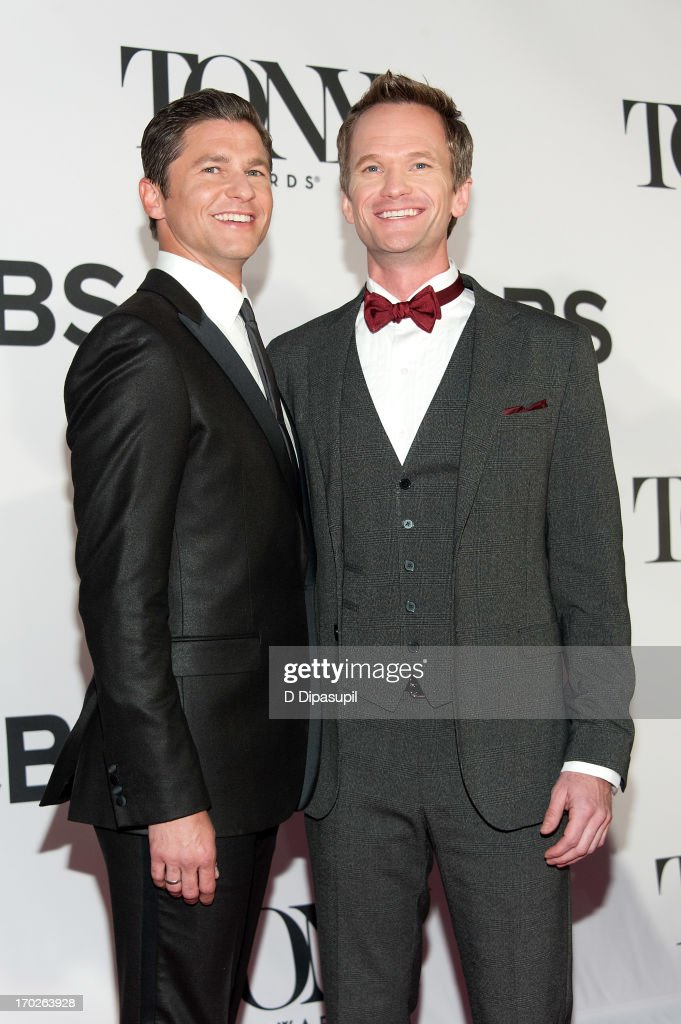 <a gi-track='captionPersonalityLinkClicked' href=/galleries/search?phrase=Neil+Patrick+Harris&family=editorial&specificpeople=210509 ng-click='$event.stopPropagation()'>Neil Patrick Harris</a> (R) and <a gi-track='captionPersonalityLinkClicked' href=/galleries/search?phrase=David+Burtka&family=editorial&specificpeople=572242 ng-click='$event.stopPropagation()'>David Burtka</a> attend the 67th Annual Tony Awards at Radio City Music Hall on June 9, 2013 in New York City.