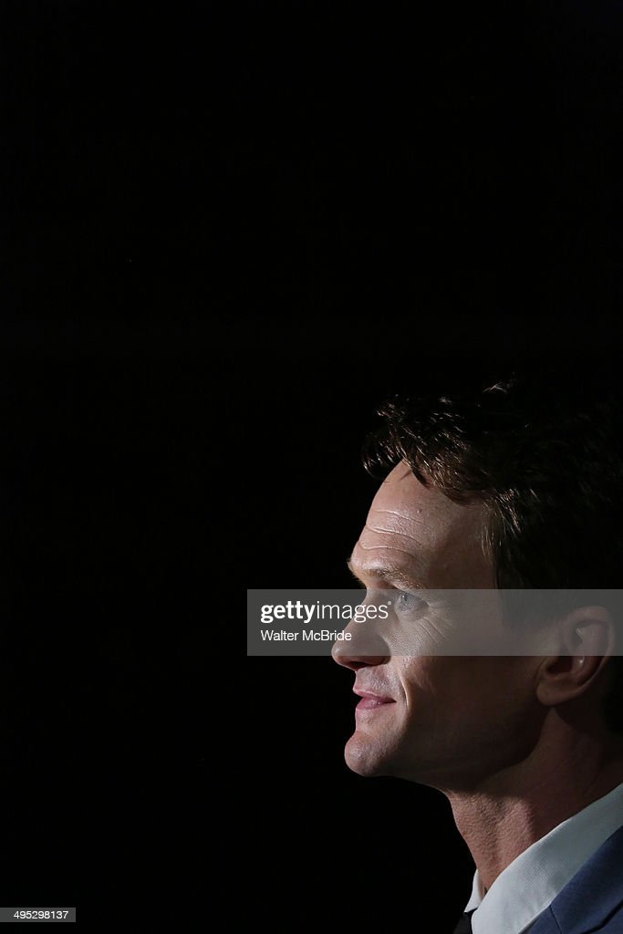 <a gi-track='captionPersonalityLinkClicked' href=/galleries/search?phrase=Neil+Patrick+Harris&family=editorial&specificpeople=210509 ng-click='$event.stopPropagation()'>Neil Patrick Harris</a> greets the press in the 2014 Drama Desk Awards press room at The Liberty Theatre on June 1, 2014 in New York City.