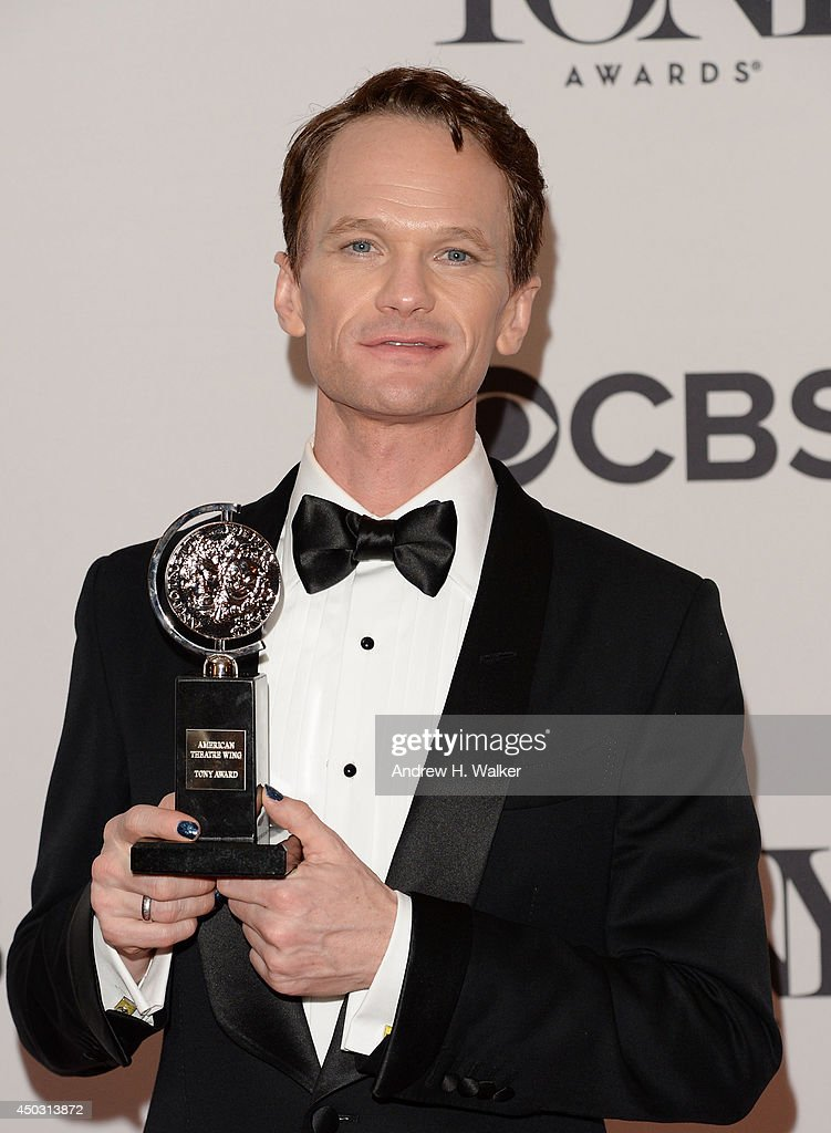 <a gi-track='captionPersonalityLinkClicked' href=/galleries/search?phrase=Neil+Patrick+Harris&family=editorial&specificpeople=210509 ng-click='$event.stopPropagation()'>Neil Patrick Harris</a>, winner of Tony Award For Best Actor In A Musical for 'Hedwig And The Angry Inch' poses in the press room during the 68th Annual Tony Awards on June 8, 2014 in New York City.