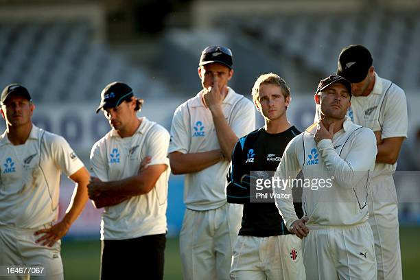 Neil Wagner Dean BrownlieTim Southee Kane Williamson Brendon McCullum and Peter Fulton of New Zealand look dissapointed following day five of the...