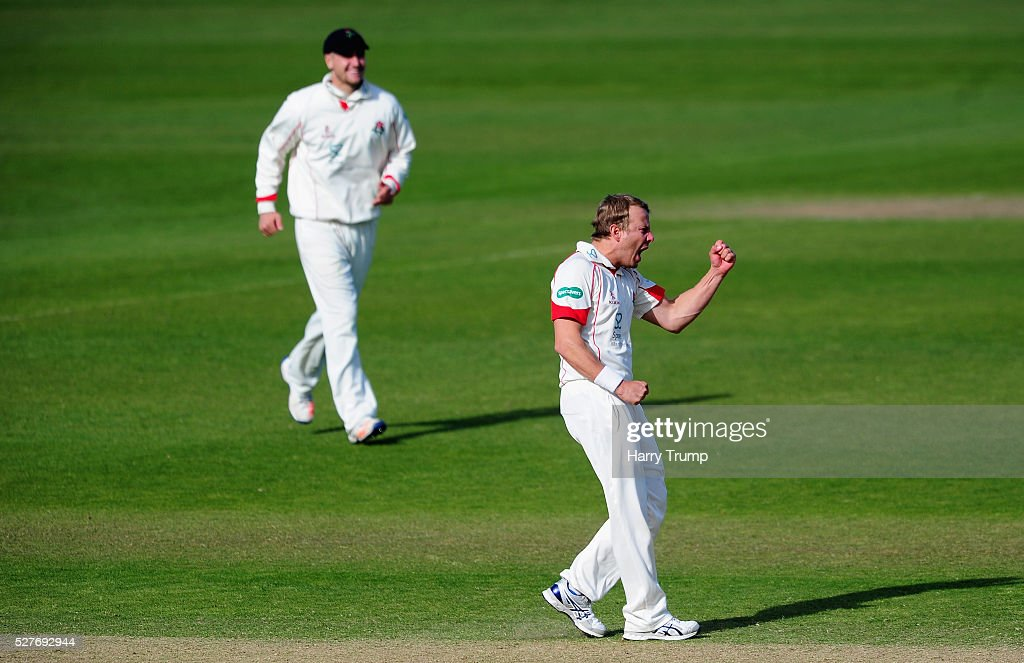 <a gi-track='captionPersonalityLinkClicked' href=/galleries/search?phrase=Neil+Wagner+-+Cricketspelare&family=editorial&specificpeople=12902899 ng-click='$event.stopPropagation()'>Neil Wagner</a> of Lancashire celebrates after dismissing Jamie Overton of Somerset during Day Three of the Specsavers County Championship Division One match between Someret and Lancashire at the County Ground on May 03, 2016 in Somerset, United Kingdom.