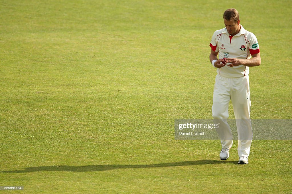 <a gi-track='captionPersonalityLinkClicked' href=/galleries/search?phrase=Neil+Wagner+-+Cricket+Player&family=editorial&specificpeople=12902899 ng-click='$event.stopPropagation()'>Neil Wagner</a> of Lancashire prepares for another delivery during day two of the Specsavers County Championship: Division One match between Yorkshire and Lancashire at Headingley on May 30, 2016 in Leeds, England.