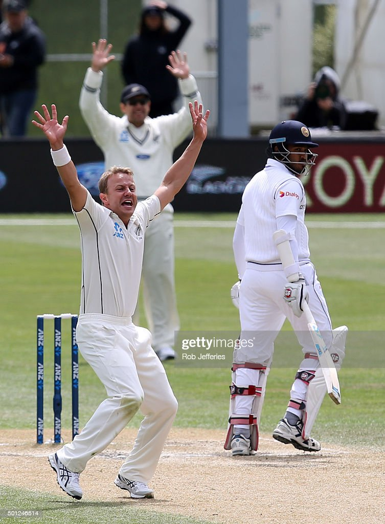 <a gi-track='captionPersonalityLinkClicked' href=/galleries/search?phrase=Neil+Wagner+-+Cricketspelare&family=editorial&specificpeople=12902899 ng-click='$event.stopPropagation()'>Neil Wagner</a> of New Zealand appeals for an LBW decision during day five of the First Test match between New Zealand and Sri Lanka at University Oval on December 14, 2015 in Dunedin, New Zealand.