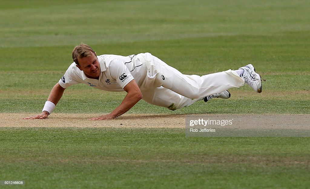 <a gi-track='captionPersonalityLinkClicked' href=/galleries/search?phrase=Neil+Wagner+-+Cricket+Player&family=editorial&specificpeople=12902899 ng-click='$event.stopPropagation()'>Neil Wagner</a> of New Zealand attempts to field off his own bowling during day five of the First Test match between New Zealand and Sri Lanka at University Oval on December 14, 2015 in Dunedin, New Zealand.