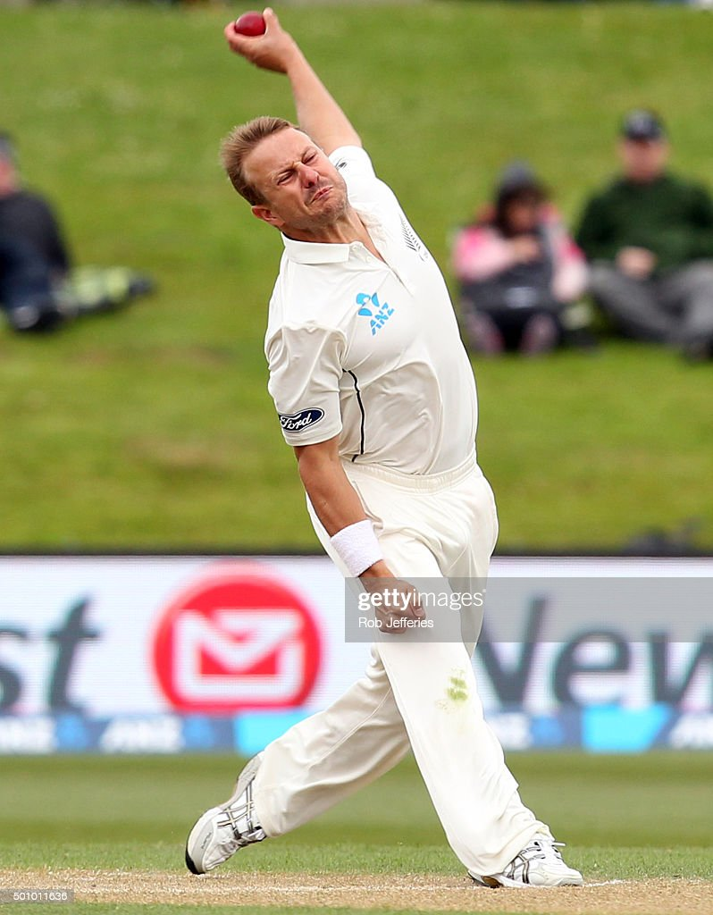 <a gi-track='captionPersonalityLinkClicked' href=/galleries/search?phrase=Neil+Wagner+-+Cricket+Player&family=editorial&specificpeople=12902899 ng-click='$event.stopPropagation()'>Neil Wagner</a> of New Zealand bowls during day three of the First Test match between New Zealand and Sri Lanka at University Oval on December 12, 2015 in Dunedin, New Zealand.