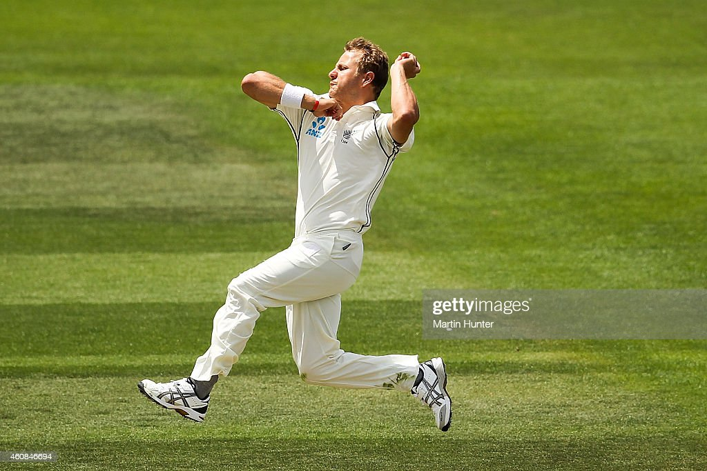 <a gi-track='captionPersonalityLinkClicked' href=/galleries/search?phrase=Neil+Wagner+-+Cricket+Player&family=editorial&specificpeople=12902899 ng-click='$event.stopPropagation()'>Neil Wagner</a> of New Zealand bowls during day two of the First Test match between New Zealand and Sri Lanka at Hagley Oval on December 27, 2014 in Christchurch, New Zealand.