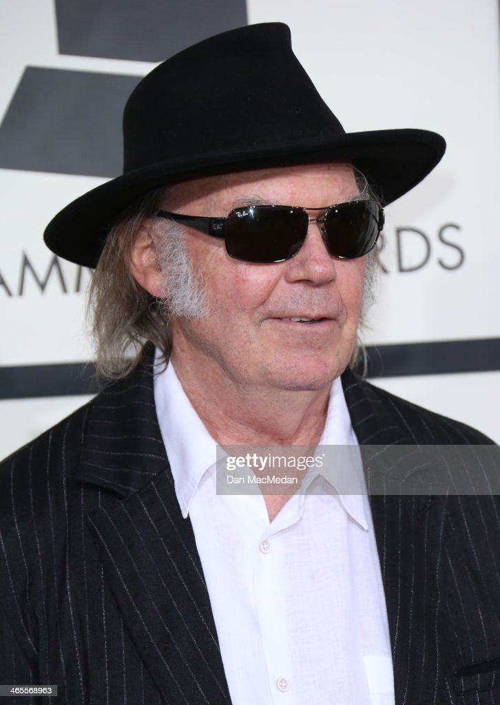 <a gi-track='captionPersonalityLinkClicked' href=/galleries/search?phrase=Neil+Young&family=editorial&specificpeople=209195 ng-click='$event.stopPropagation()'>Neil Young</a> arrives at the 56th Annual GRAMMY Awards at Staples Center on January 26, 2014 in Los Angeles, California.
