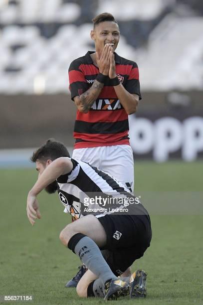 Neiltonof Vitoria reacts during the match between Botafogo and Vitoria as part of Brasileirao Series A 2017 at Engenhao Stadium on October 01 2017...
