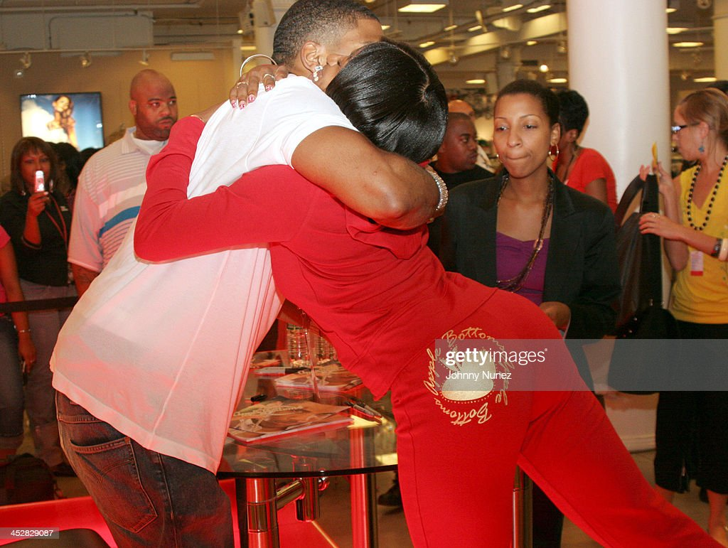 Nelly Autograph Signing Promoting Apple Bottom Jeans Photos and ...