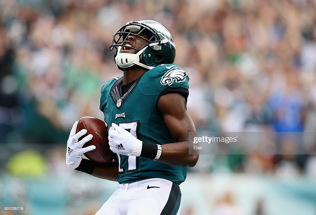 Nelson Agholor #17 of the Philadelphia Eagles celebrates his touchdown against the Buffalo Bills during the second quarter at Lincoln Financial Field on December 13, 2015 in Philadelphia, Pennsylvania.