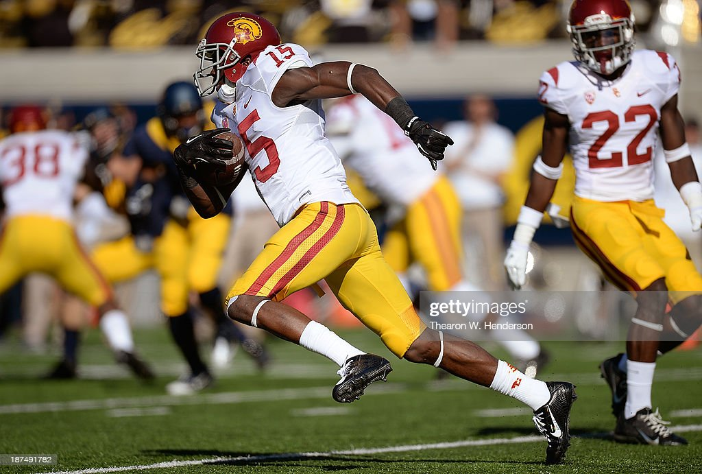 Nelson Agholor #15 of the USC Trojans returns a kickoff against the California Golden Bears during the second quarter at California Memorial Stadium on November 9, 2013 in Berkeley, California.