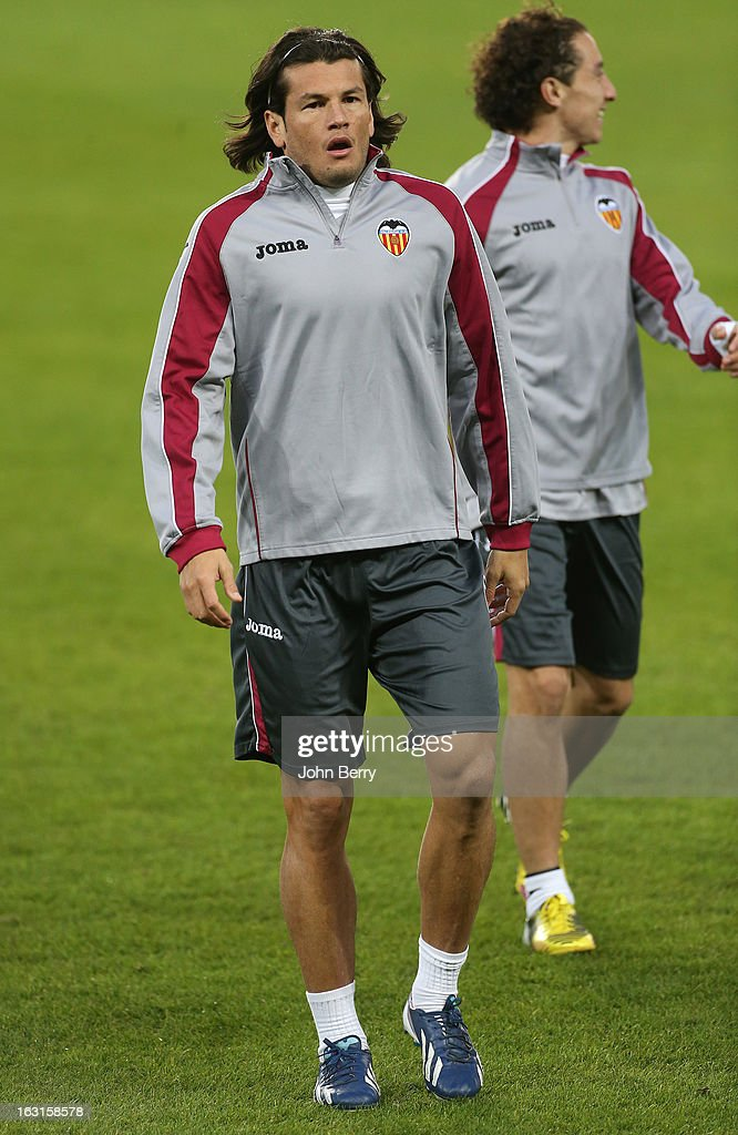 <a gi-track='captionPersonalityLinkClicked' href=/galleries/search?phrase=Nelson+Haedo+Valdez&family=editorial&specificpeople=556805 ng-click='$event.stopPropagation()'>Nelson Haedo Valdez</a> of Valencia warms up during a training session on the eve of the Champions League match between Paris Saint Germain FC and Valencia CF at the Parc des Princes stadium on March 5, 2013 in Paris, France.