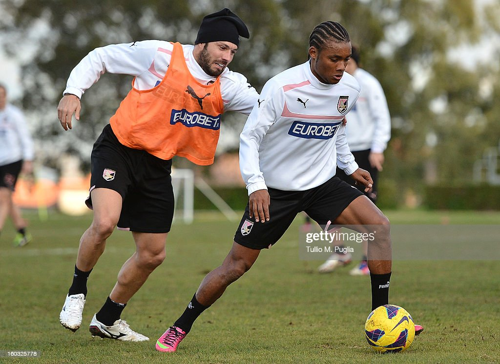 Nelson (R) in action during a Palermo training session after his presentation as new player of Palermo at Tenente Carmelo Onorato Sports Center on January 29, 2013 in Palermo, Italy.