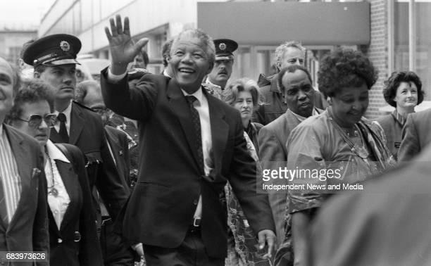 Nelson Mandela arrives at Dublin Airport