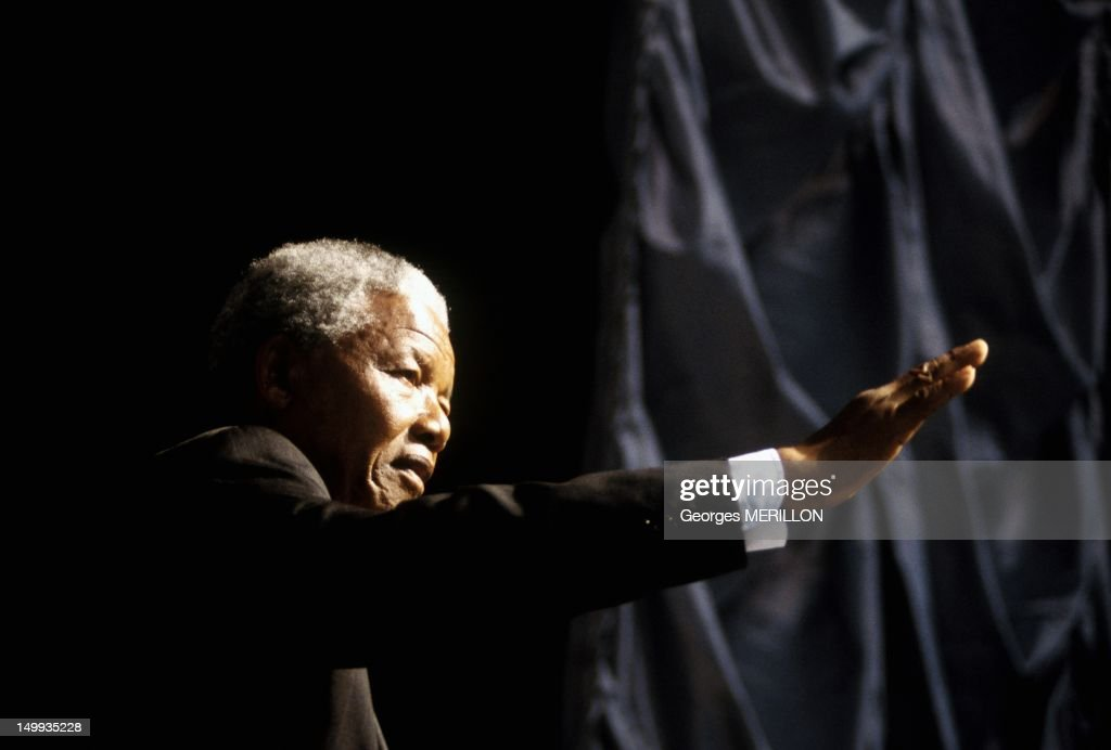 <a gi-track='captionPersonalityLinkClicked' href=/galleries/search?phrase=Nelson+Mandela&family=editorial&specificpeople=118613 ng-click='$event.stopPropagation()'>Nelson Mandela</a> Campaigning on March 15, 1994 in South Africa.