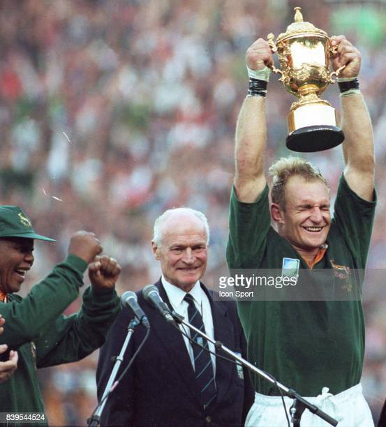 Rugby union world cup 1995 stock photos and pictures getty images - Mandela coupe du monde 1995 ...
