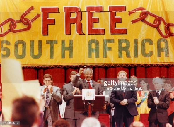 Nelson Mandela with Trade Union officials John Halfpenny [left] Martin Ferguson [right] Bill Kelty [far right] and Foreign Minister Gareth Evans...