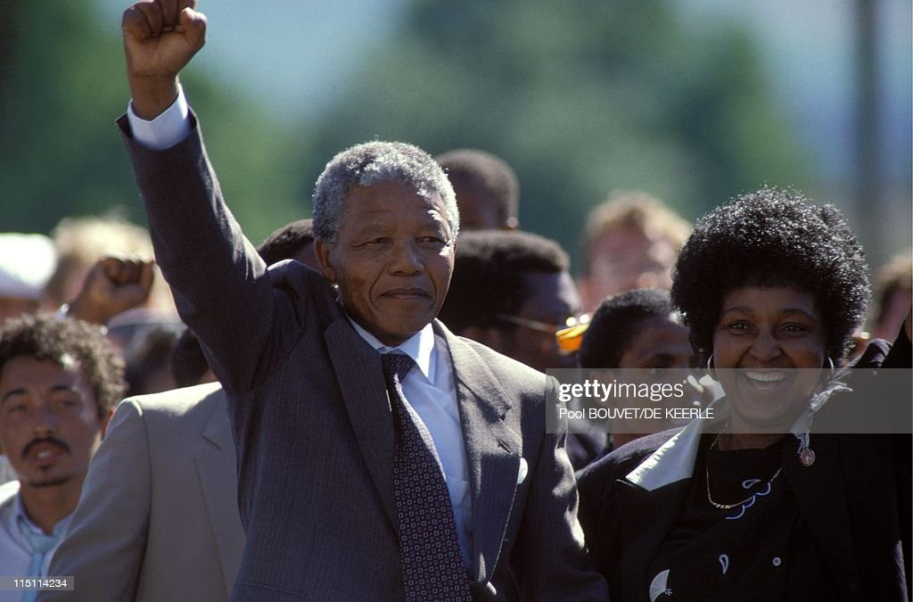 Nelson Mandela's liberation in South Africa on February 11 1990 Nelson and Winnie Mandela outside Victor Verster jail