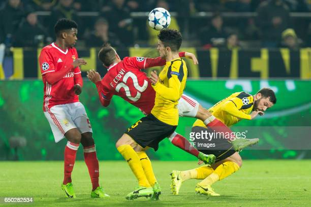 Nelson Semedo of Benfica Franco Cervi of Benfica Marc Bartra of Borussia Dortmund and Gonzalo Castro of Borussia Dortmund battle for the ball during...