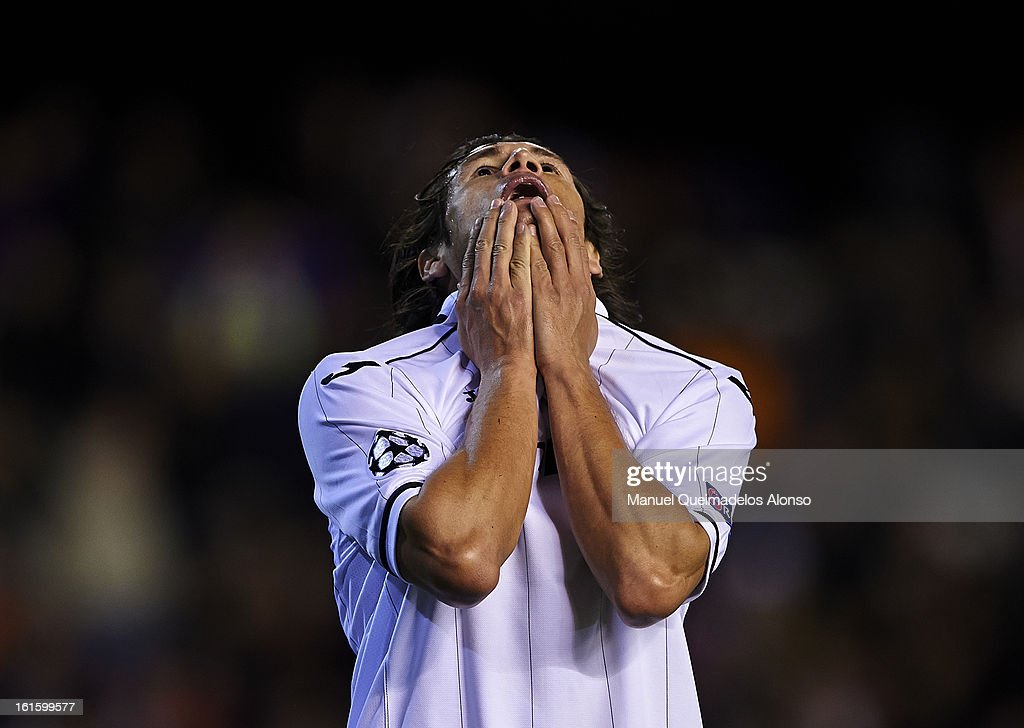 Nelson Valdez of Valencia reacts as he fails to score during the UEFA Champions League Round of 16 match between Valencia CF and Paris St Germain at Estadi de Mestalla on February 12, 2013 in Valencia, Spain.