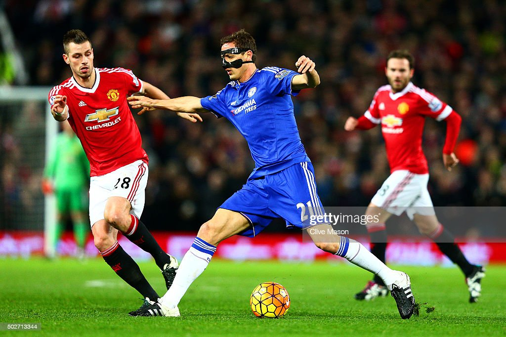 Nemanja Matic of Chelsea battles for the ball with <a gi-track='captionPersonalityLinkClicked' href=/galleries/search?phrase=Morgan+Schneiderlin&family=editorial&specificpeople=4191360 ng-click='$event.stopPropagation()'>Morgan Schneiderlin</a> of Manchester United during the Barclays Premier League match between Manchester United and Chelsea at Old Trafford on December 28, 2015 in Manchester, England.