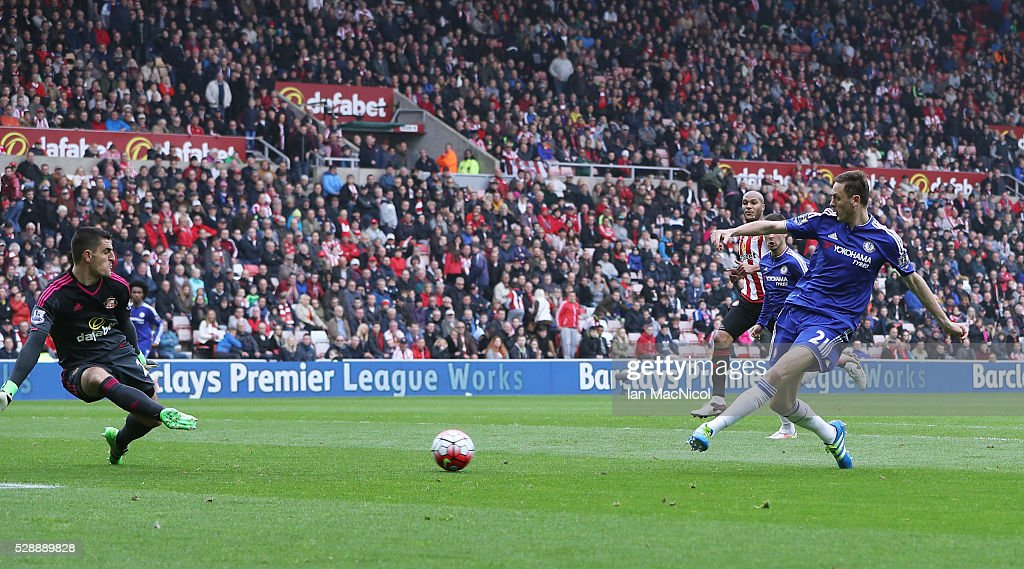 Nemanja Matic of Chelsea scores his team's second goal during the Barclays Premier League match between Sunderland and Chelsea at the Stadium of Light on May 7, 2016 in Sunderland, United Kingdom.