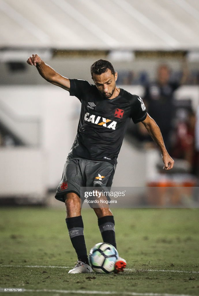 Santos v Vasco da Gama - Brasileirao Series A 2017