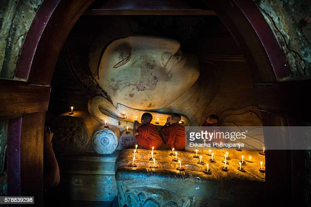 neophyte pay buddha in temple of Bagan
