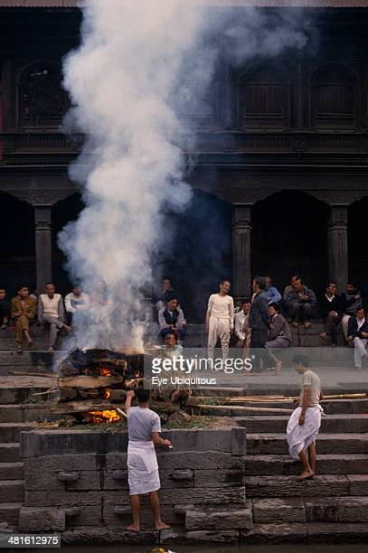 Nepal Kathmandu Hindu cremation at Pashpatinath temple