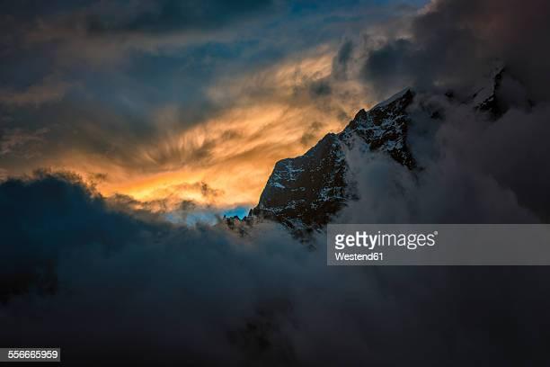 Nepal, Khumbu, Everest region, Dingboche, Taboche at sunset