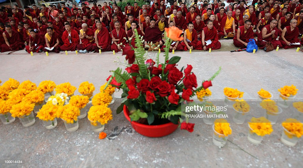 Nepalese and Exile Tibetan monks attend