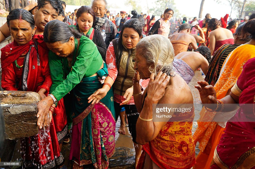Traditional Sacred Bathing in Nepal 6