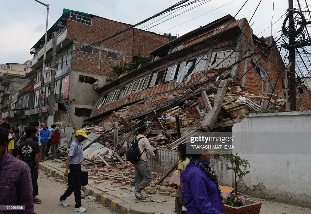 a powerful earthquake struck nepal saturday Nepal earthquake death toll reach 2,000, india toll at 57 2015 the powerful earthquake struck nepal and sent tremors through northern india on saturday a powerful earthquake in nepal on saturday triggered an avalanche on mount everest.
