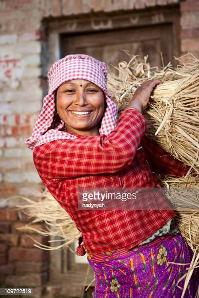 Le népalais femme