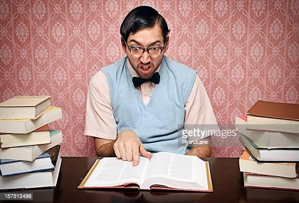 Nerd Student Studium seine Hausaufgaben Hart