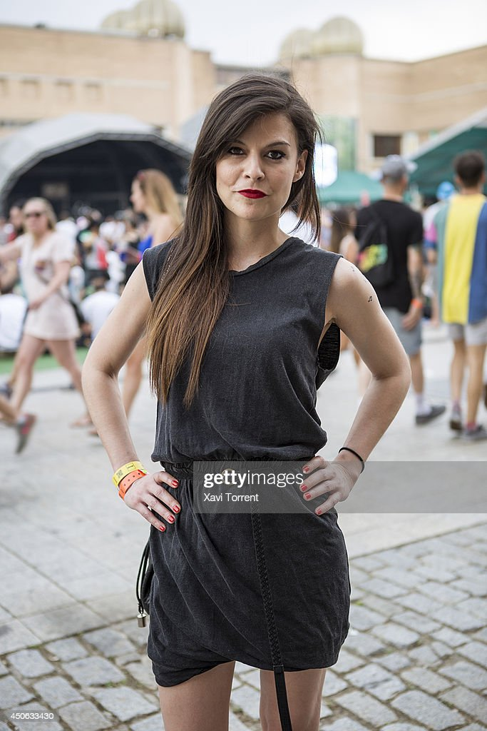 Nerea is wearing a dress from American Vintage and a bag from Bershka at the Sonar Music Festival on June 14, 2014 in Barcelona, Spain.