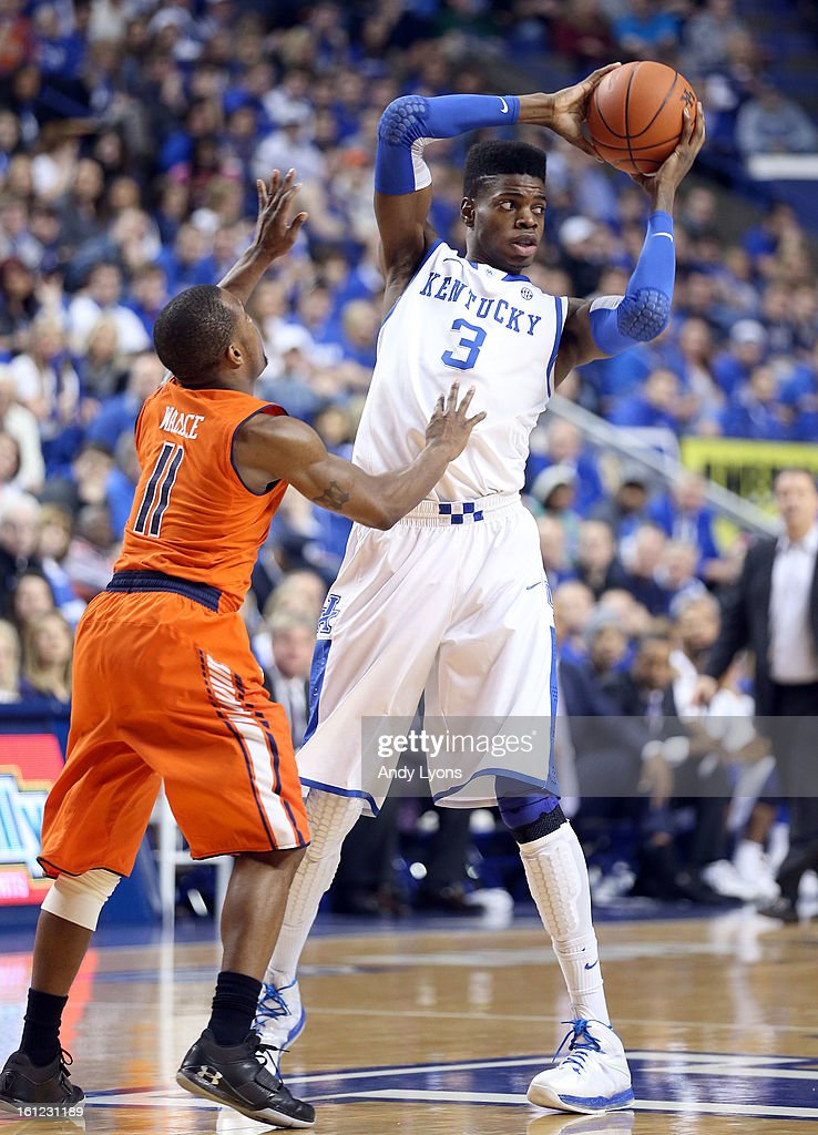 <a gi-track='captionPersonalityLinkClicked' href=/galleries/search?phrase=Nerlens+Noel&family=editorial&specificpeople=7880842 ng-click='$event.stopPropagation()'>Nerlens Noel</a> #3 of the Kentucky Wildcats looks to pass the ball during the game against the Auburn Tigers at Rupp Arena on February 9, 2013 in Lexington, Kentucky.