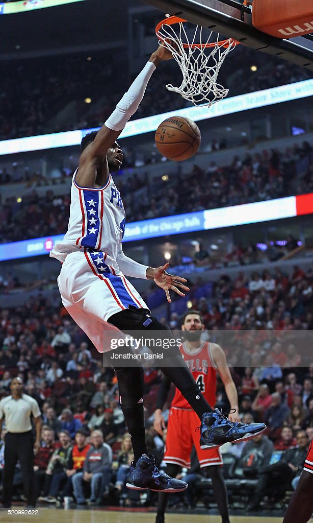 Nerlens Noel #4 of the Philadelphia 76ers dunks against the Chicago Bulls at the United Center on April 13, 2016 in Chicago, Illinois.