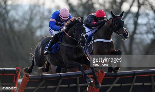 Nesterenko ridden by Nico De Boinville jumps the last ahead of Vicenzo Mio ridden by Sam TwistonDavies to win the CS Electircal Wholesale Lewden...