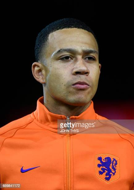 Netherland's Memphis Depay poses prior to the Friendly football match between Netherlands and Italy at the Arena Stadium on March 28 2017 in...