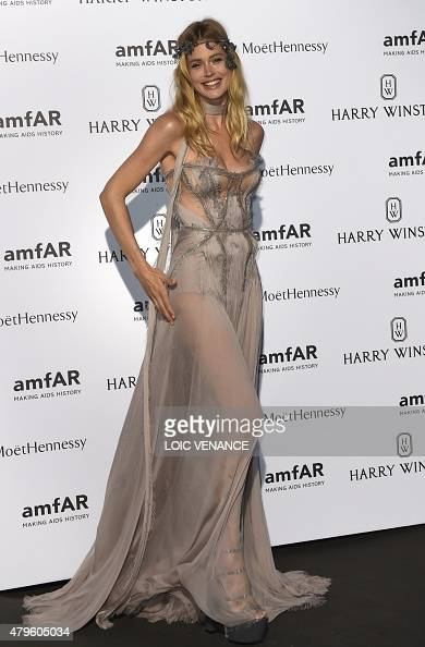 Netherland's model Doutzen Kroes poses prior to the Amfar dinner on the sidelines of the Paris fashion week on July 5 2015 in Paris AFP PHOTO / LOIC...