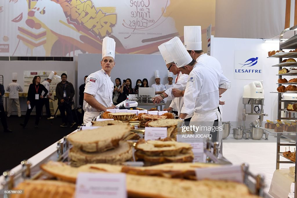 Netherland's team competes during the Bakery World Cup as part of the Europain fair, on February 6, 2016, at the Parc des expositions de Paris Nord in Villepinte near Paris. / AFP / ALAIN JOCARD