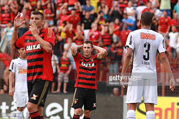 Neto Baiano and Ze Mario of Sport Recife lose at goal during the Brasileirao Series A 2014 match between Sport Recife and Atletico MG at Ilha do...