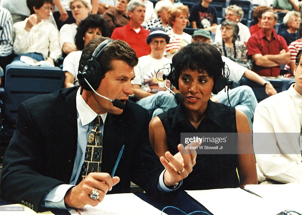ESPN network commentator Robin Roberts and Italianborn American basketball coach Geno Auriemma of the University of Connecticut broadcast an...