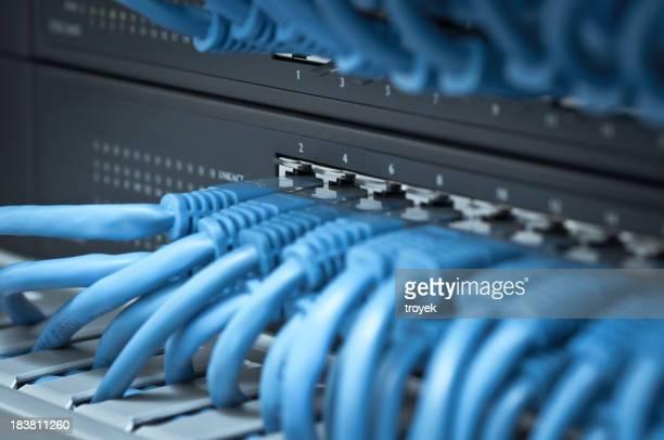 hub de red y cable