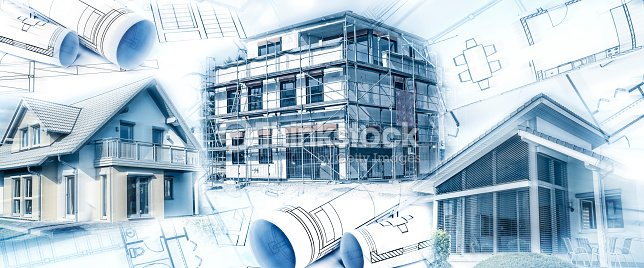 Neubauten mit einem Rohbau und Bauplänen : Stock Photo